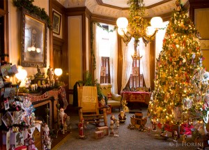 david davis mansion at Christmas